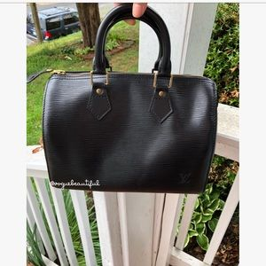 c8380f7117ff Louis Vuitton Bags - Louis Vuitton Black Epi Leather Speedy 25